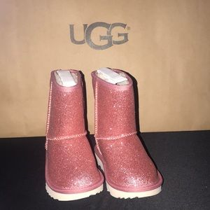 Toddler Girls UGG CLASSIC SHORT II GLITTER PINK #9